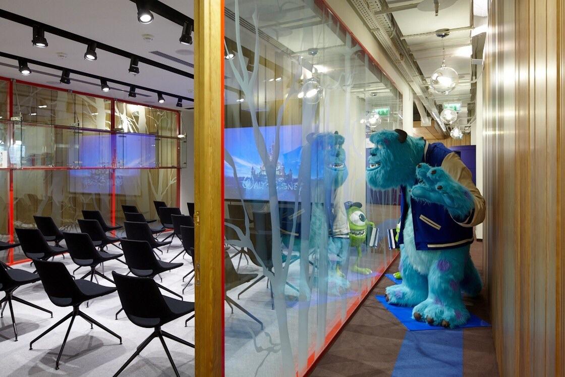 Walt disney company moscow russia eoffice coworking for Disney office decor